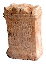 Abb: Weihealtar des Apollo/Merkur gestiftet von Flavius Hiemalis
