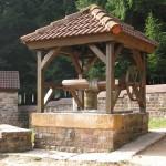 Brunnen im Tempelbezirk