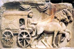Abb : Römischer Reisewagen (Relief in Maria Saal Kärnten)